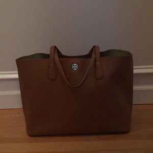 Tory Burch Perry Tote in Bark/Gold